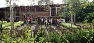Werkhalle und Baumschule in Temanggu (Indonesien)